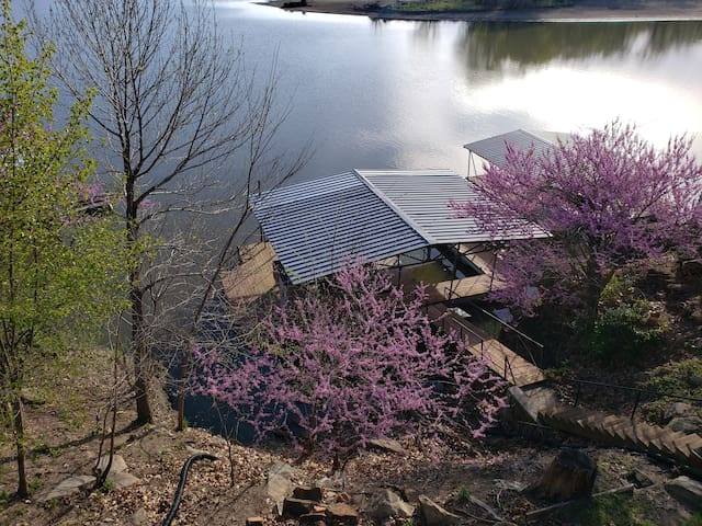 Lake of the Ozark home with private dock!