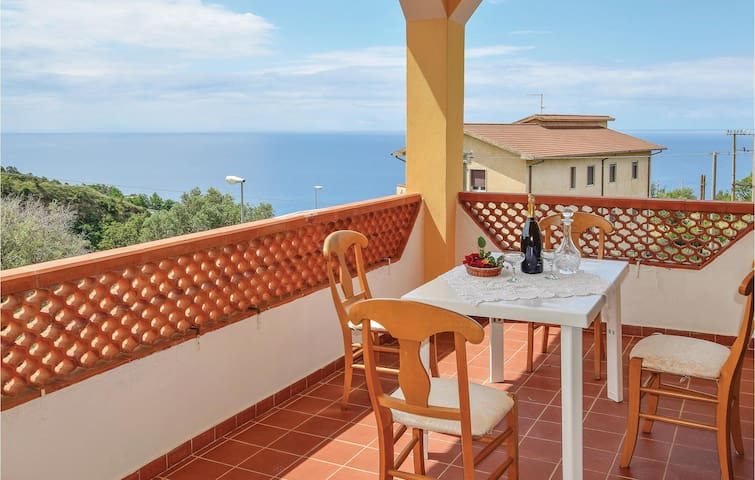 Holiday cottage with 9 bedrooms on 340m² in Bonifati CS