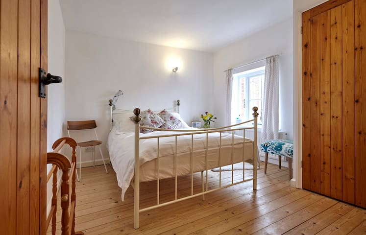 Light and spacious room in Lavenham - Lavenham - บ้าน