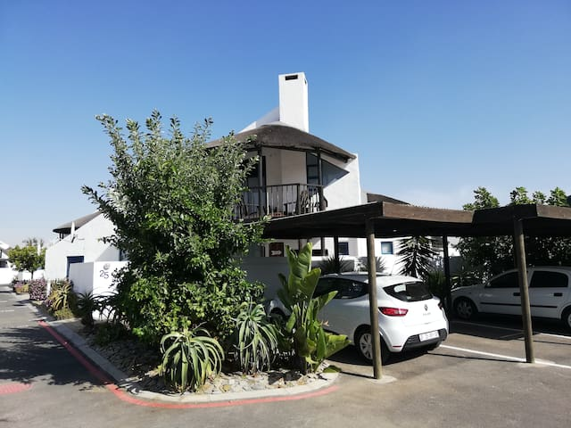 West Coast home located only 150 m from the beach