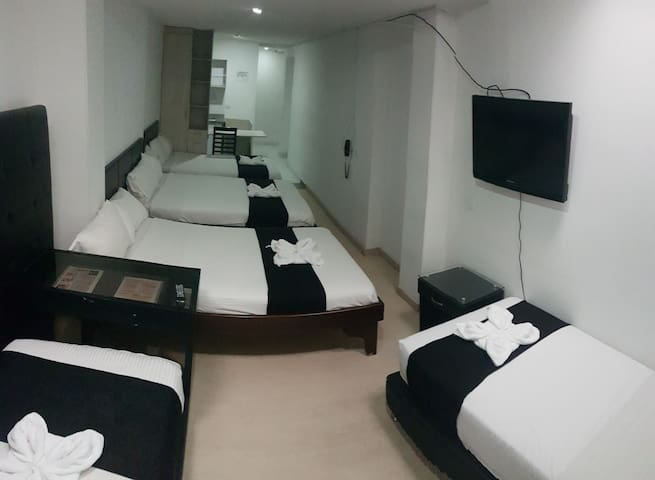 Aparta suite grupo - Hotel Business Ferial