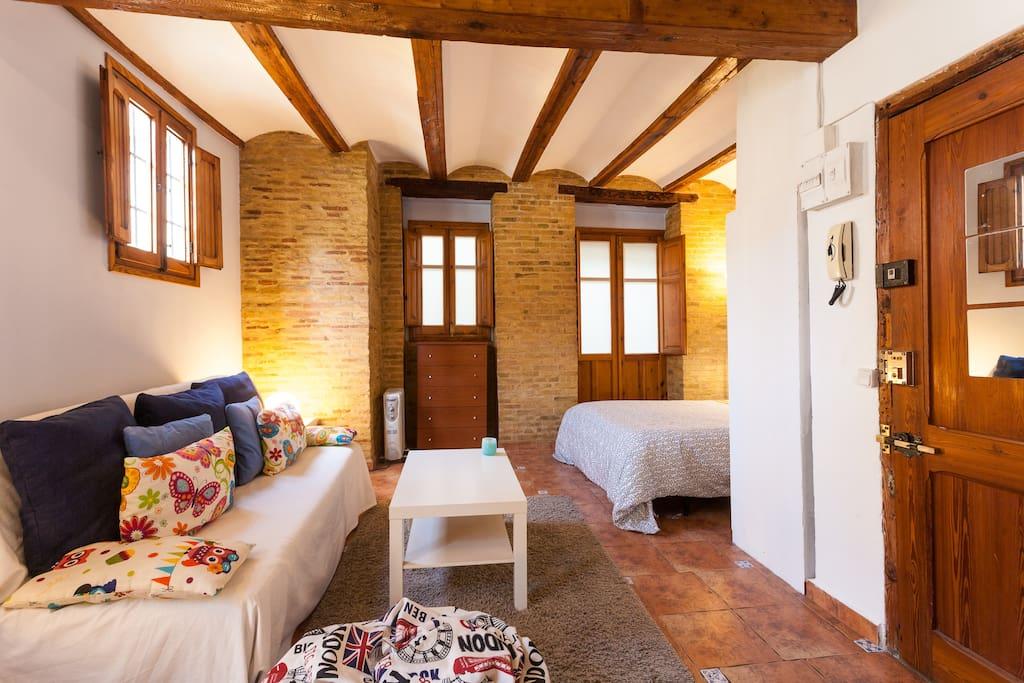 Loft with mediterranean atmosphere lofts for rent in - Loft valencia ...