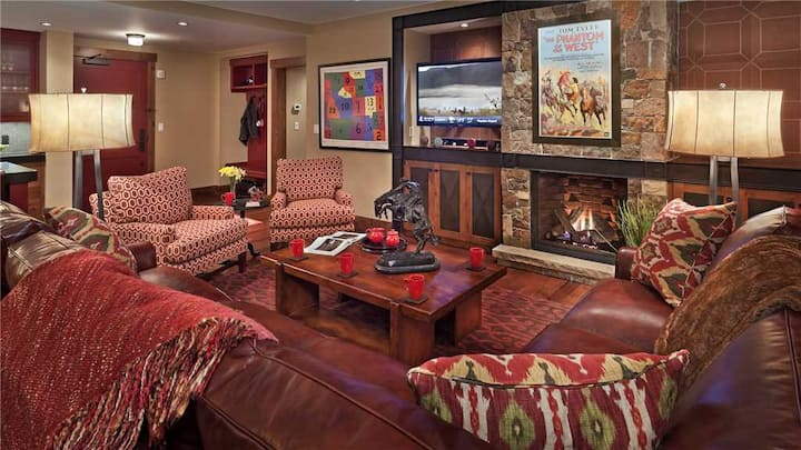 """One Steamboat Place """"Horse Thief"""" #103 - 4BR ski-in/ski-out"""