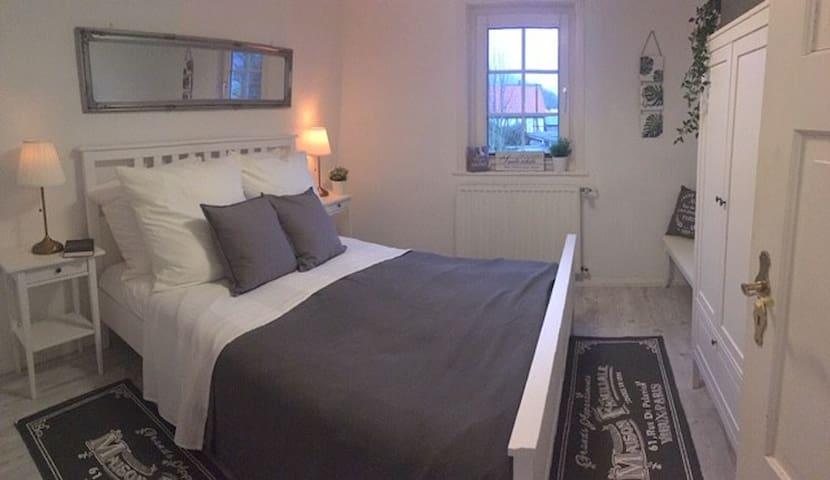 ...Schlafzimmer 2...