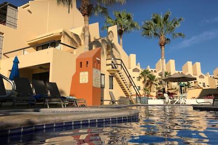 Ground Level Condo, Near the Beach, Next to Pool