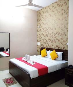 Hotel Ananta