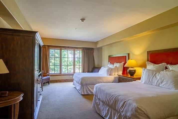 Lodge Dbl Queen 204 | Tamarack Resort | Sleeps 4
