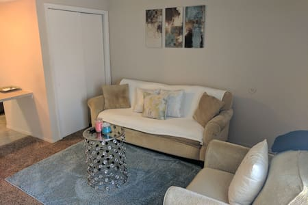 Cozy 1 bedroom apartment in Edmond - Edmond - Appartamento
