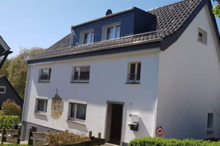 Dachgeschoss im Fachwerkhaus in Solingen-Gräfrath