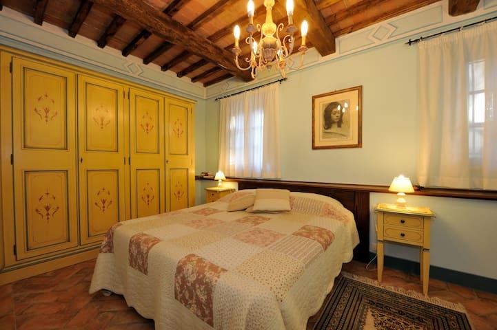 Bedroom  2 En-suite Bathroom Ground floor Can be converted in double
