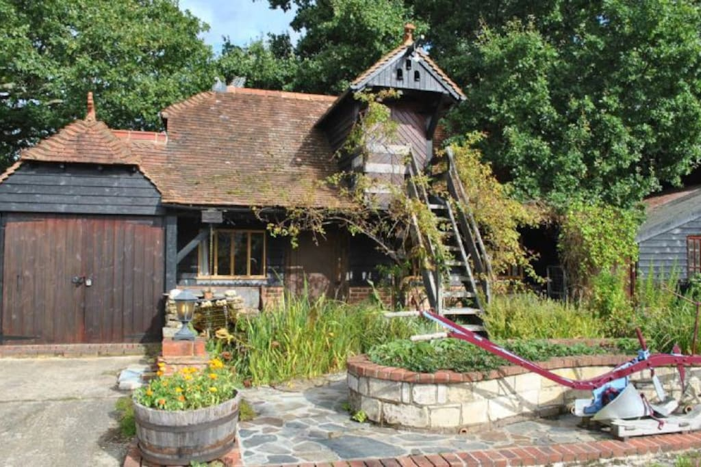 wisborough green hindu singles Stable cottage is situated in wisborough green and offers a garden  stable cottage wisborough green,  2 single beds show prices: start of .