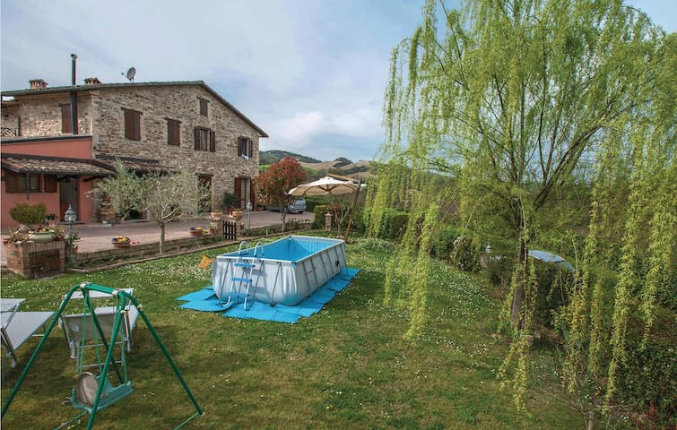 Semi-Detached with 3 bedrooms on 220m² in Urbino (PU)