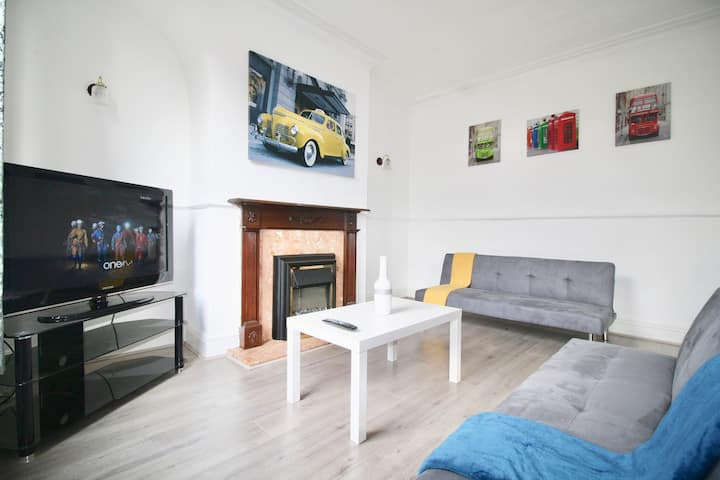 #StayHere 8 - Close To Leeds Centre, Sleeps 6