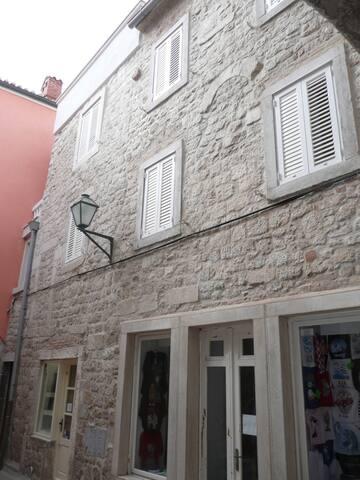 Tasteful two bedroom apartment in Rab - Rab