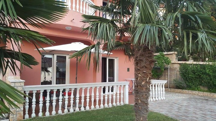 Apartment with Pool - Novi Vinodolski