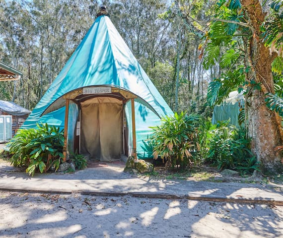 Unique Indian Teepee - 10 Share