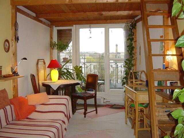 Balkonzimmer im Herzen Kreuzbergs - nur für Frauen