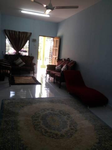 Villa ESPA homestay Port Dickson - MY - Hus