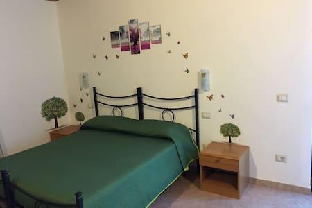 Camera Verde vicino al mare! - Alghero - Bed & Breakfast