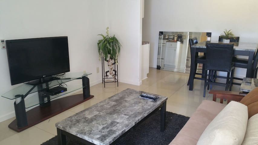 Fully equiped one bedroom,one bathroom  studio - Indio - Appartamento