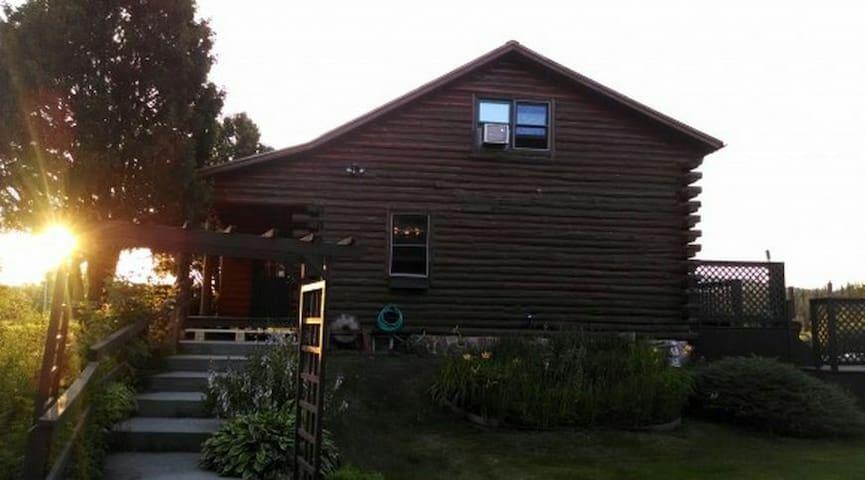 Beautiful log home!!