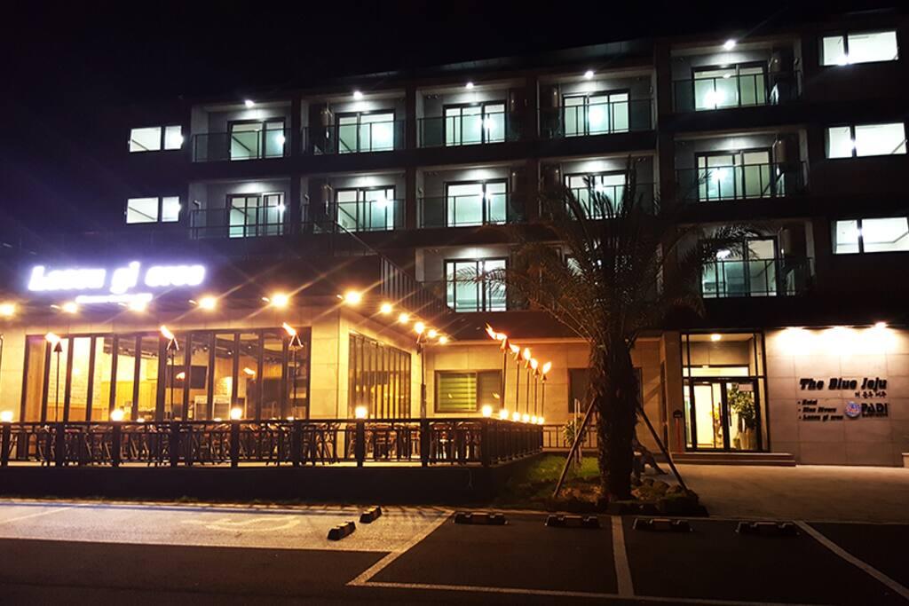 더블루제주 호텔 야경 사진