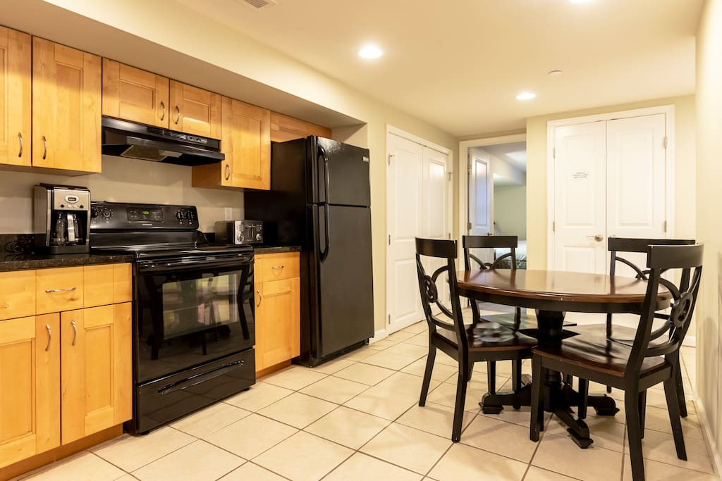 Kitchen area and dinette area