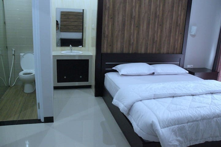 New Jimbaran Homestay near Fish Market and Beach