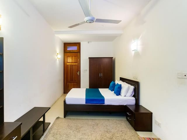 Luxury Private Double Room near Airport / Negombo