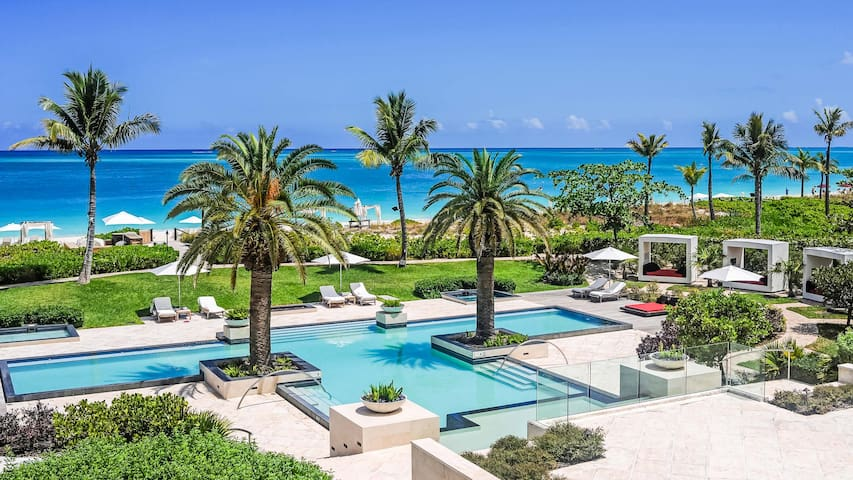 Estate Beach Level Residences at Grace Bay Club
