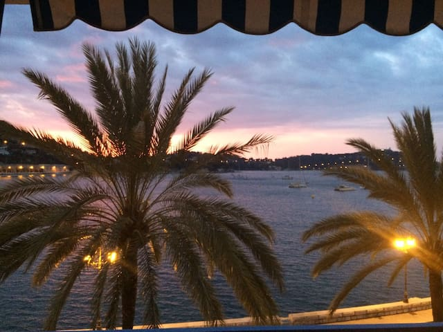 Beautiful 3 BR apartment with a magnifient view - Villefranche-sur-Mer - Kondominium
