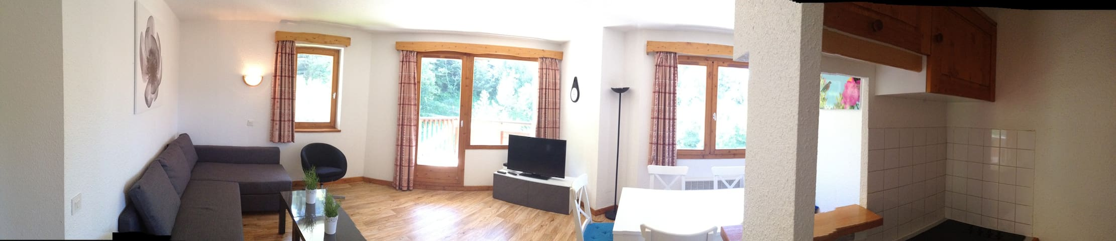 1 Bed Apart. Ski In-Out, Sleeps 5 - La Tania - Byt