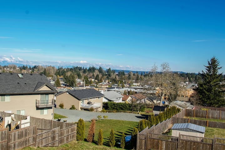 Newer bright and spacious home in Nanaimo