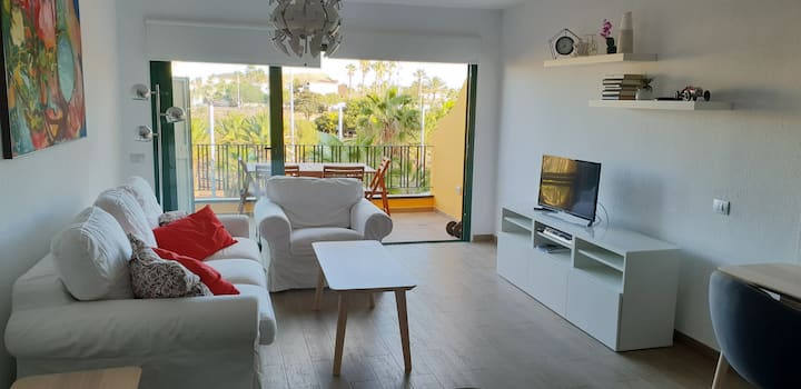 Perfect apartment in Costa del Silencio, Tenerife