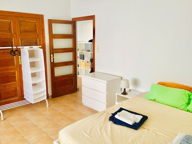 Large kingsize bedroom in elegant EIXAMPLE