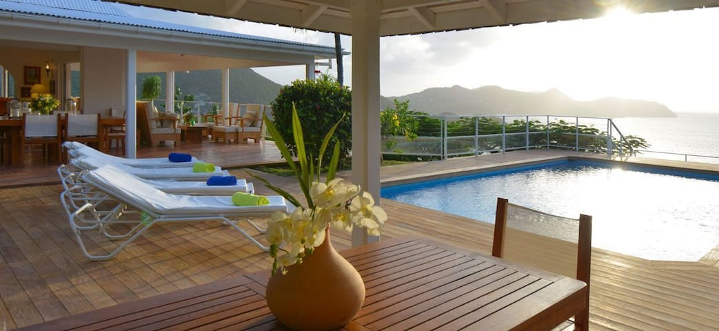 Caret - Ideal for Couples and Families, Beautiful Pool and Beach - Camaruche - Villa
