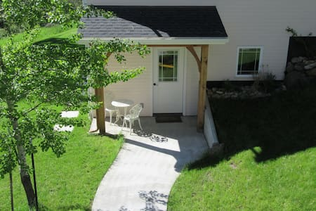 Mountain Pines Guesthouse