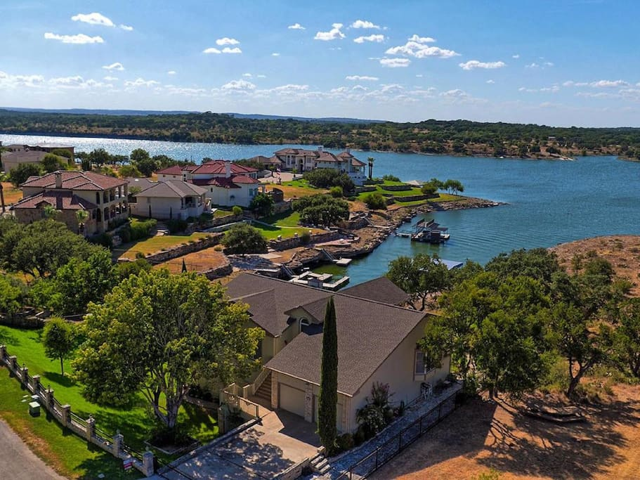 Lake travis waterfront estate 2 acres sleeps 30 houses for Lake travis fishing report