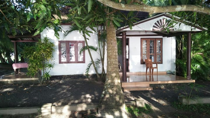 Lake View Cottage with A/Croom@ Kumarakom,lowprice