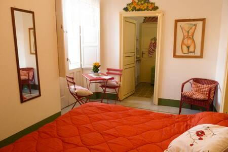 Camera Matrimoniale al centro di Noto - Noto