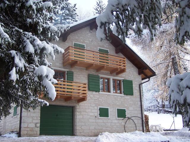 Attic of Villa Gentilini, nature & memories