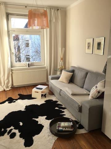 2 Zimmer Wohnung 50qm mit Balkon in Eimsbüttel