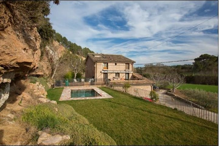 """Els Nocs"" Country House near Barcelona with pool"