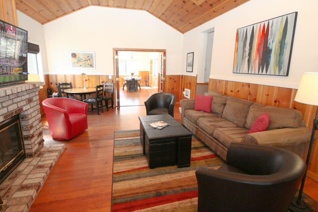 Welcome to Happy Days! Located in the heart of Guerneville!