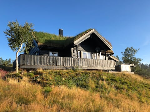 Cosy mountain cabin with jaccussi, sauna, view