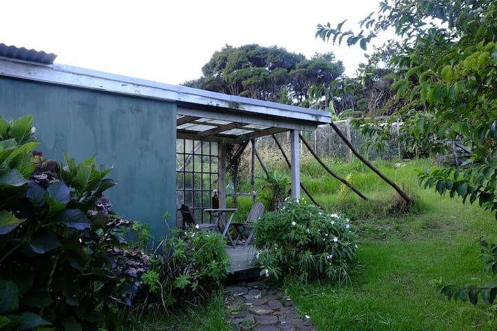 Sunbeam Sanctuary, Garden Cabin - Great Barrier Island - Srub