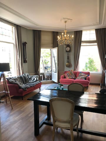 CHARMING APARTMENT IN THE CENTRE OF THE HAGUE.