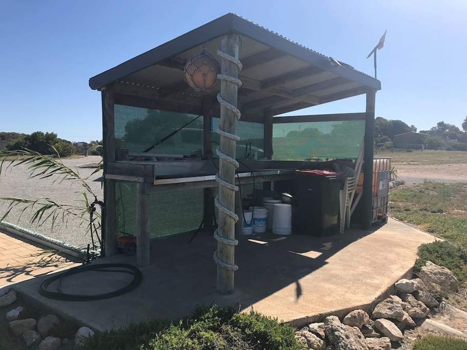 Fishing cleaning facilities