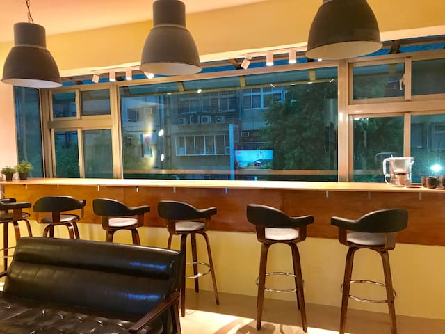 Homey & Creative 3Bdrm2Bath @Taipei 101 (5MinWalk)
