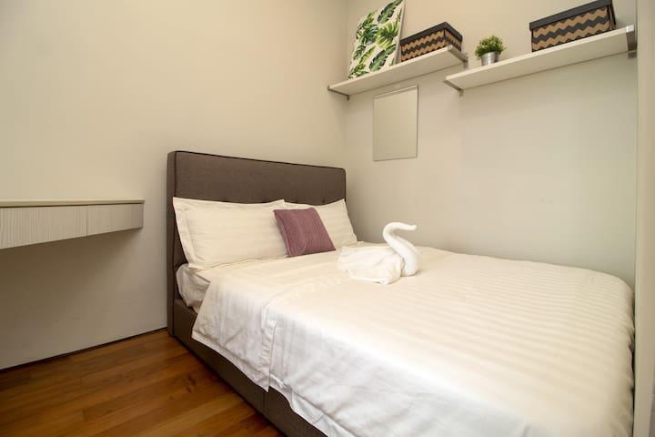 Bedroom 3 -Queen size bed